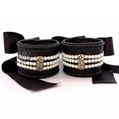 Pearl Submissive Cuffs